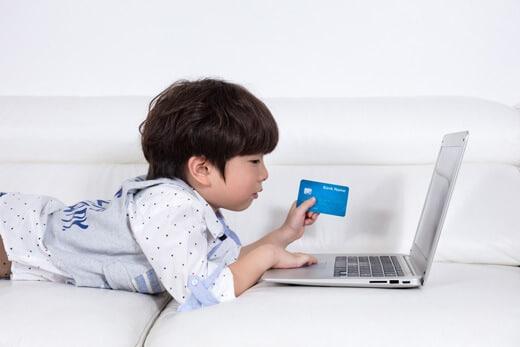子どもにクレジットカードを持たせたくないなら電子マネーを利用しよう